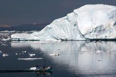 Navegando no louro do disco, Ilulissat fotografia de stock