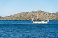Navegue la regata en el mar adriático en tiempo ventoso Imagen de archivo libre de regalías