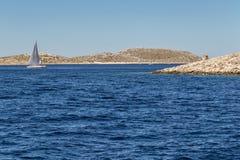 Navegue los días de fiesta en el mar adriático en Croacia Imágenes de archivo libres de regalías
