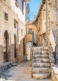 Navelli by i landskapet av L ` Aquila, i den Abruzzo regionen av centrala Italien Arkivbilder