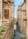 Navelli by i landskapet av L ` Aquila, i den Abruzzo regionen av centrala Italien Royaltyfri Fotografi