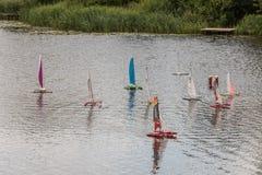 Naves altas de la escala teledirigida en las competencias foto de archivo libre de regalías