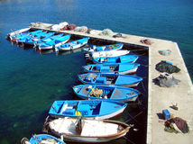 Naves azules y blancas de la pesca Foto de archivo libre de regalías
