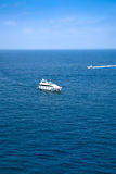 Naves en el mar azul Fotografía de archivo libre de regalías