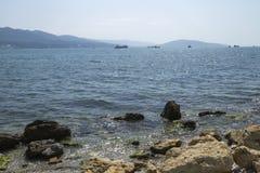 Naves en el mar azul Imágenes de archivo libres de regalías