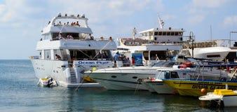 Naves en el puerto de Paphos Fotografía de archivo libre de regalías