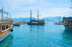 Naves en el puerto deportivo de Antalya Imagen de archivo