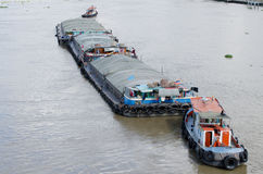 Naves que llevan la arena Foto de archivo libre de regalías