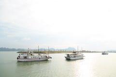 Naves turísticas Imagen de archivo libre de regalías