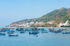 Naves y barcos en Vungtau, Vietnam Foto de archivo