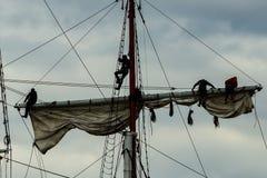 Navi alte che imparano le corde Fotografia Stock Libera da Diritti
