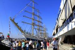 Navi alte del porto di Varna attraccate Immagini Stock Libere da Diritti