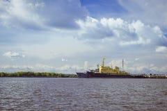 Navi ancorate in Kronštadt Fotografia Stock Libera da Diritti