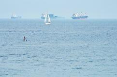 Navi da carico nel mare Fotografia Stock