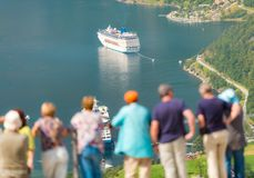 Navi da crociera in acque del fiordo, Norvegia, Europa Fotografia Stock