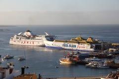 Navi del traghetto in porta. Tenerife Fotografie Stock Libere da Diritti