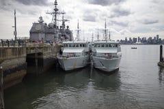 Navi dell'americano e del canadese ancorate alla banchina del lonsdale Fotografie Stock Libere da Diritti