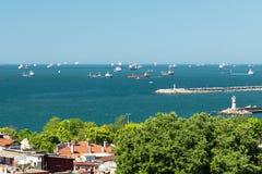 Navi nel mare di Marmara, Costantinopoli Fotografia Stock