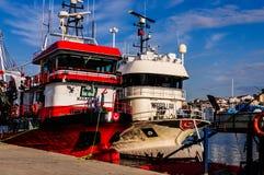 Navi sulla baia dei pescatori di Yalova Turchia Immagine Stock