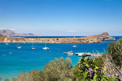 Navi sulla laguna blu Mediterranea Fotografia Stock