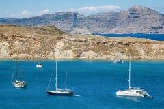 Navi sulla laguna blu Mediterranea Fotografia Stock Libera da Diritti