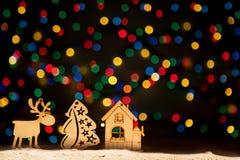 Navidad se enciende como estrellas, árbol de navidad, decoración del vintage, ciervo a Fotos de archivo libres de regalías