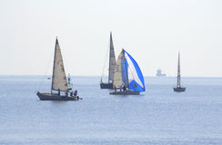 A navigação bonita yachts a vista Fotografia de Stock Royalty Free