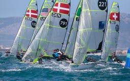 navigação da classe 49er durante a regata em Palma de Maiorca Fotos de Stock Royalty Free
