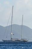 Navigação do iate no mar azul Fotos de Stock Royalty Free