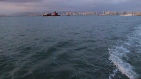 Navigação do navio de carga do mar aberto filme