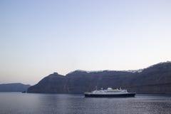Navigação do navio de cruzeiros do porto Fotografia de Stock