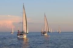 Navigação fora no por do sol Imagens de Stock Royalty Free