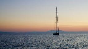 Navigação no por do sol 2 Fotografia de Stock Royalty Free