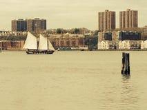 Navigação no rio Imagens de Stock Royalty Free