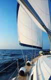 Navigando con il vento Immagini Stock Libere da Diritti