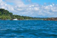 Navigando intorno al parco nazionale di Corcovado, Costa Rica Immagini Stock Libere da Diritti