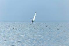 Navigando in mare Immagine Stock