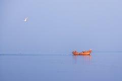 Navigando nel blu Fotografia Stock