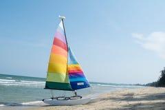 Navigando sul mare fotografia stock