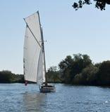 Navigando sulla Norfolk Broads Immagine Stock Libera da Diritti