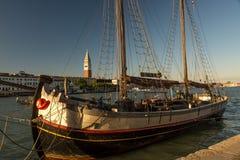 Navigando a Venezia Fotografie Stock Libere da Diritti