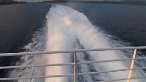 Navigation à travers les fjords en Norvège banque de vidéos