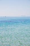 Navigation dans la mer Photo stock