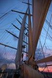 Navigation dans le coucher du soleil Photo libre de droits