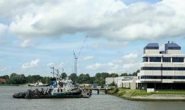 Navigation dans le port de Rotterdam Images libres de droits