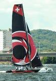 Navigation de catamaran dans la baie de Cardiff Images libres de droits
