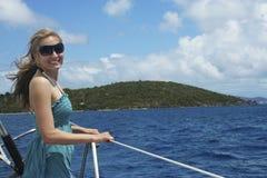 Navigation de fille d'île