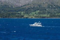 Navigation de yacht de bateau images libres de droits