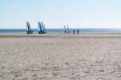 Navigation de yacht de sable sur des blokarts, Pays-Bas images stock