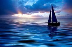 Navigation et coucher du soleil Photographie stock